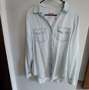 Mossimo boyfriend fit button up shirt